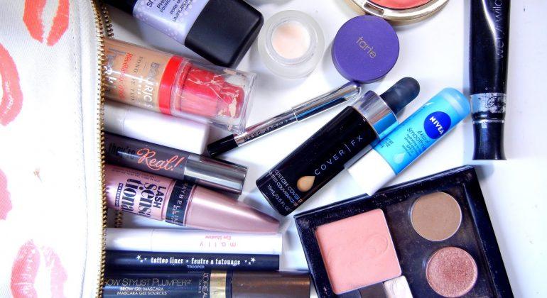 Najlepsza baza pod makijaż do cery tłustej